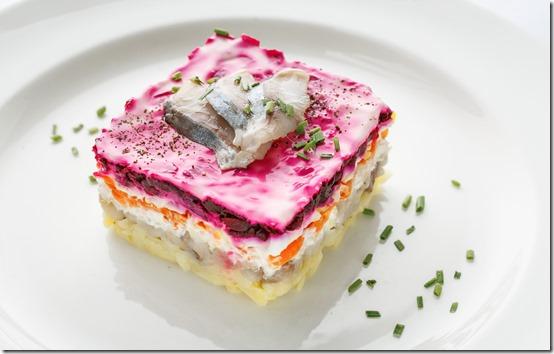 Нажмите на картинку и узнайте, как вкусно приготовить Праздничный Салат *Сельдь под шубой...