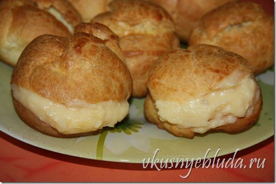 Кликните по ссылке, чтобы вернуться к началу рецепта *Заварной крем для пирожных Пти-Шу*...
